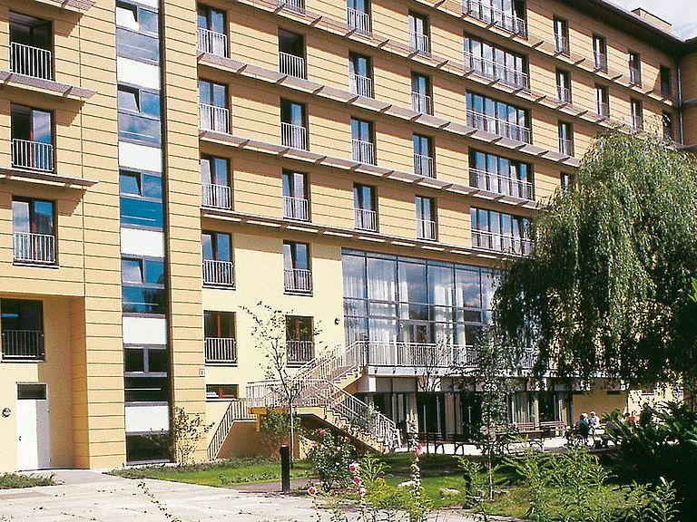 altersheim berlin lichtenberg betreutes wohnen und pflege. Black Bedroom Furniture Sets. Home Design Ideas
